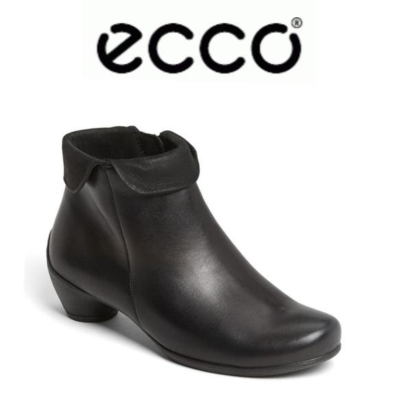 ECCO 'Sculptured' Folded Zip Bootie in Black